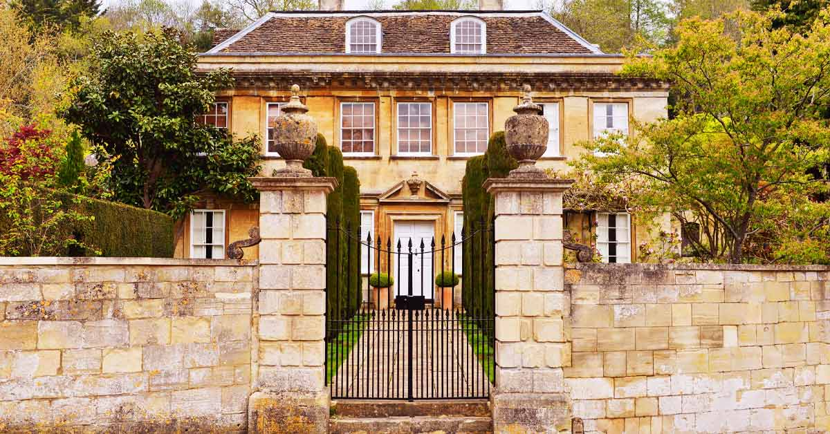 An English country mansion